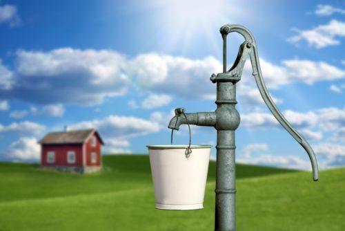 Как самостоятельно очистить воду из скважины?
